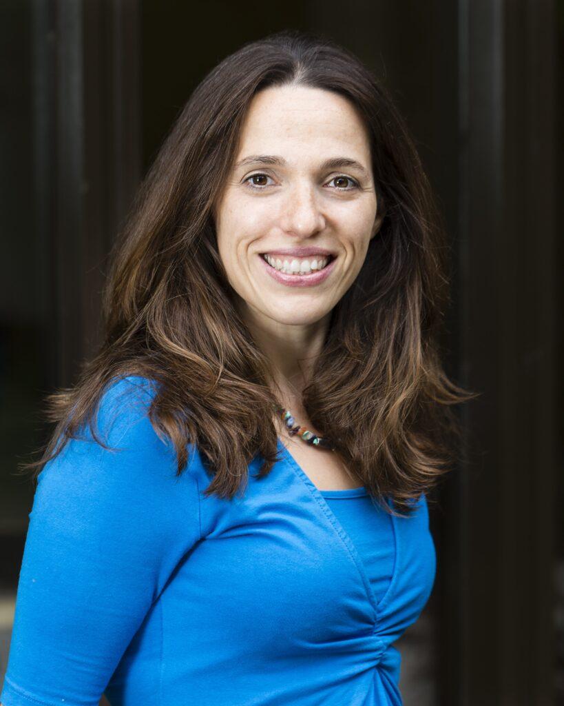 Dr. Alexandra Almeida